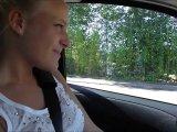 Amateurvideo Im Auto ins Töpfchen gepisst von LaraCumKitten